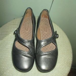 Rivo By Clarks SILVER  Mary Jane Flat Shoes 5.5